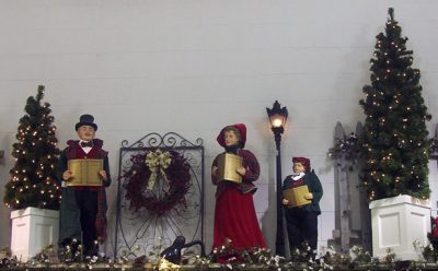 Carolers for lawn
