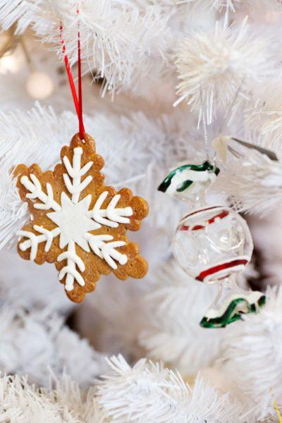 Cookies on a Christmas tree