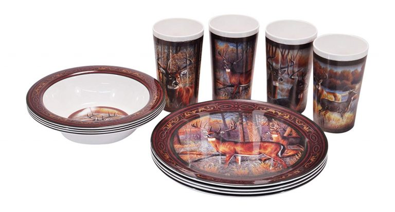 Melamine dishes with deer