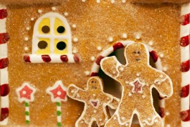 cookies on gingerbread house
