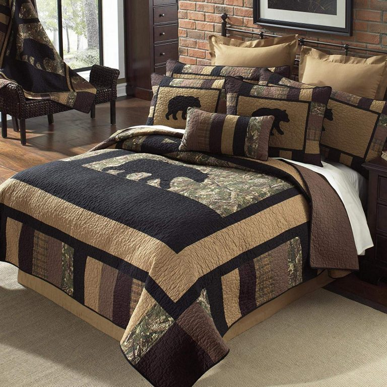 Bear quilt with camo