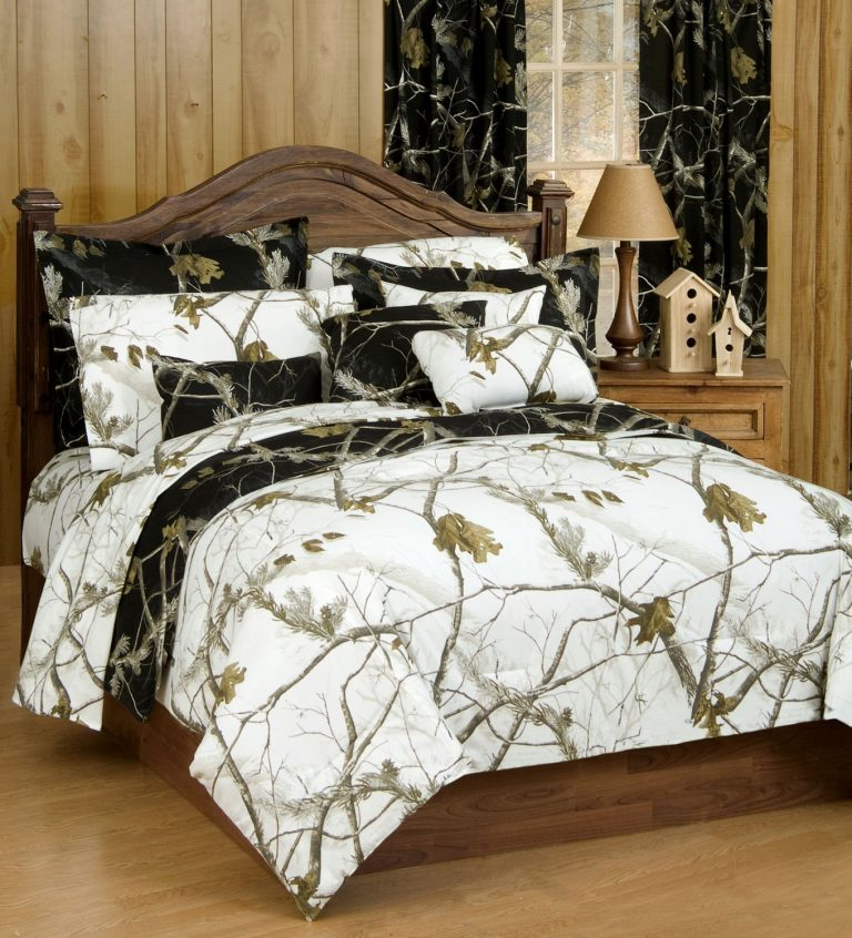Realtree black camo comforter reversed