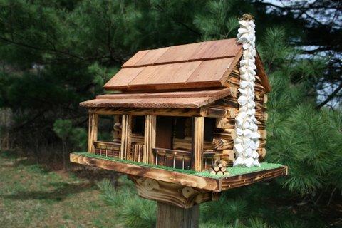 Amish log cabin bird feeder