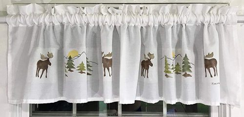 hand painted valance with moose and trees
