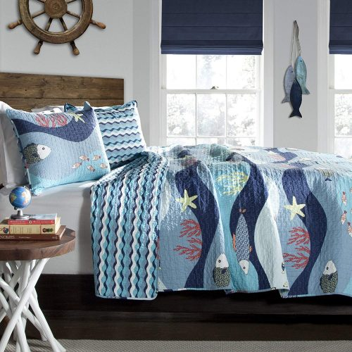 Sealife bedding with fish and waves